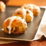 Hot cross buns - La Femme du Chef.001