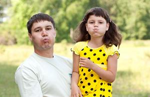 bambini imparano inglese con mamma e papà